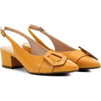 Scarpin Couro Dumond Chanel Fivela Geométrica Feminina - Feminino-Amarelo