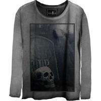 Camiseta Estonada Manga Longa Skull Graveyard