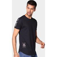 Camiseta Industrie Estampa Costas Masculina - Masculino-Preto