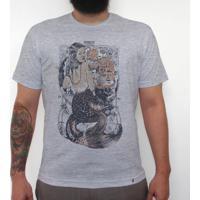 Trust No Mermaid - Camiseta Clássica Masculina