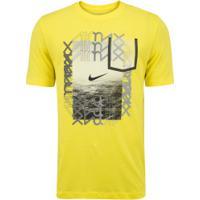 Camiseta Nike Sportswear Sneaker Cltr 5 - Masculina - Amarelo