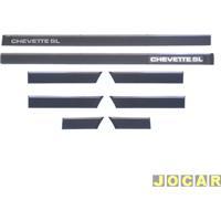 Friso Lateral - Chevette 1983 Até 1986 - Encaixe Para Grampo - Jogo