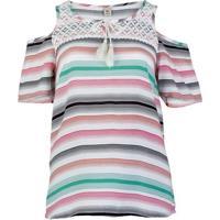 Blusa Feminina Em Tecido De Viscose Com Ombro À Mostra