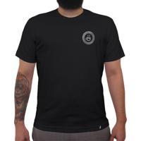 As Vezes Coado, Nunca Descafeinado - Camiseta Clássica Masculina
