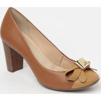 Sapato Tradicional Em Couro Com Aviamento- Marrom Claro