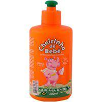 Creme De Pentear Cheirinho De Bebe Cabelos Lisos Hidratação Brilho Pró Vitamina B5 300Ml