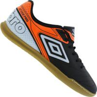 Chuteira Futsal Umbro Attak Pro Ic - Adulto - Preto Laranja 90990ee72fe95
