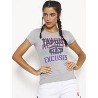 """Camiseta """"Excuses"""" - Cinza & Azul Escurotapout"""
