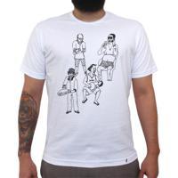 Chegaí - Camiseta Clássica Masculina