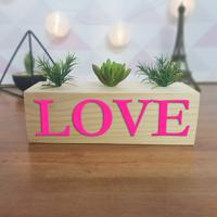Cubo Decorativo Com Suculenta E Letras Em Acrílico Love