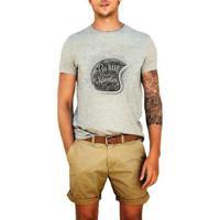 Camiseta Go Have An Adventure - Masculino-Cinza