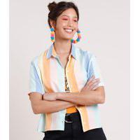 Camisa Feminina Pride Cropped Listrada Arco-Íris Com Fenda Manga Curta Multicor