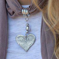 Colar Echarpe Com Pingente De Coração Em Alumínio