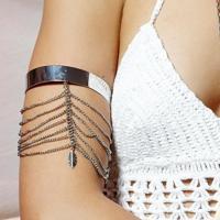 Bracelete Piuka Arm Cuff Correntes Camadas Folha - Feminino