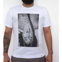 Brincadeiras Íntimas Entre Quatro Paredes E Uma Lente - Camiseta Clássica Masculina